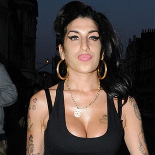 Confirman la muerte accidental de Amy Winehouse por alcohol
