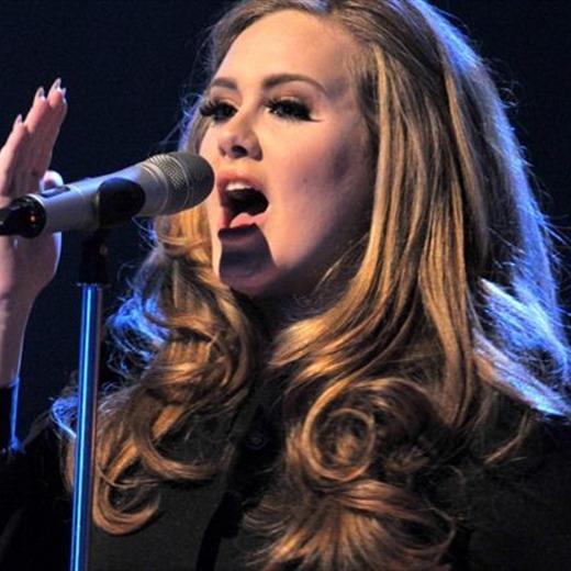 Se enojó Adele
