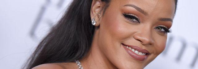 Rihanna aprendió español!