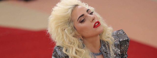 "Lady Gaga presenta ""Perfect Illusion"""