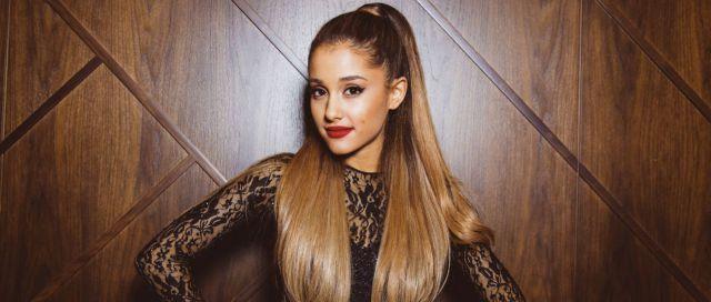 ¿Ariana Grande tiene novio nuevo?