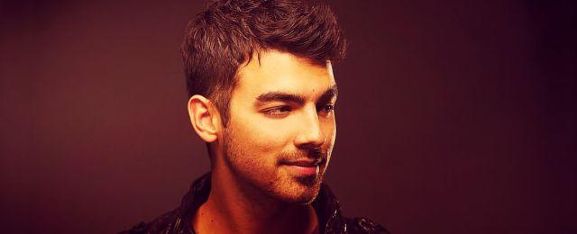 La primera vez de Joe Jonas!