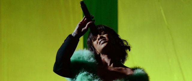"""Así es """"Love on the Brain"""", lo nuevo de Rihanna"""