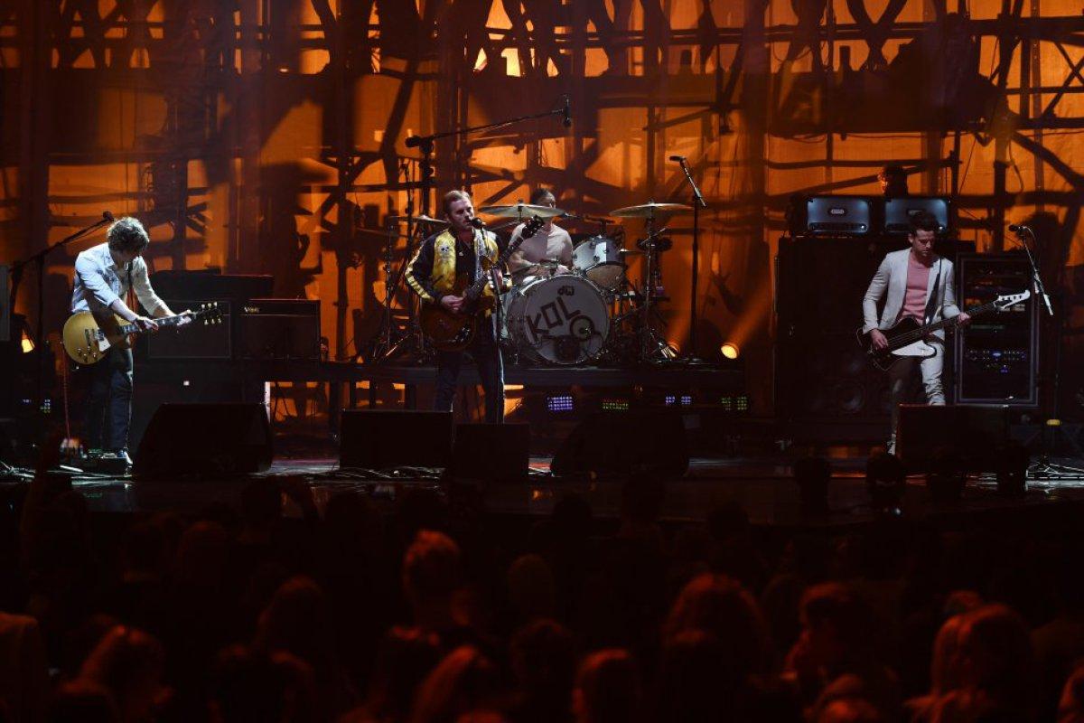 Kings Of Leon no se perdió la fiesta de los MTV EMAs
