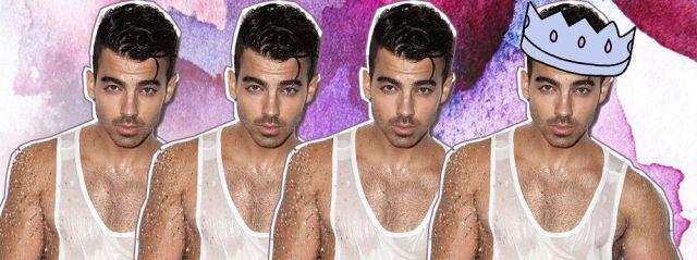 Joe Jonas arde en la ducha!