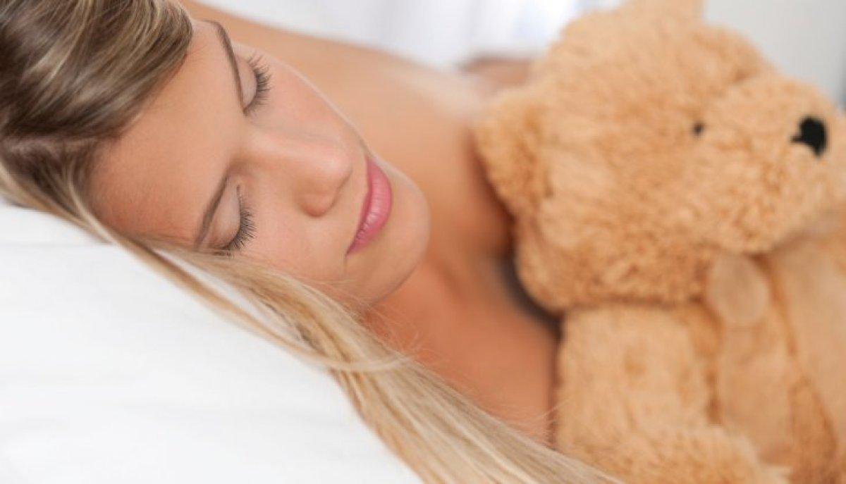 La posición en la que dormís dice mucho de vos